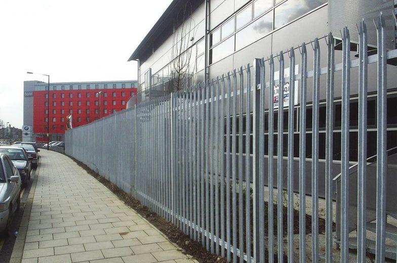 2m palisade fencing