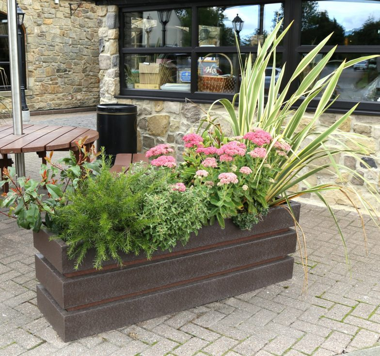 Bistro planter brown