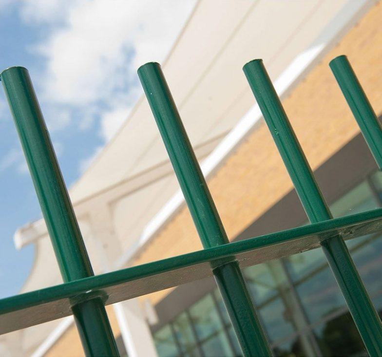 Green blunt top railings