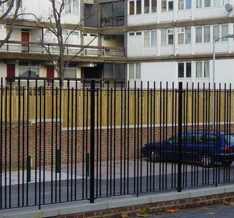 Blunt top railings