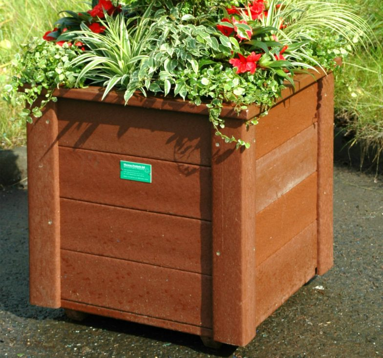 Medium brown planter