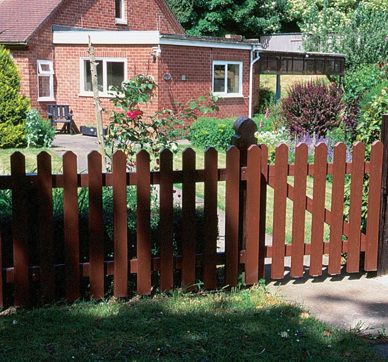 Recycled plastic picket fencing