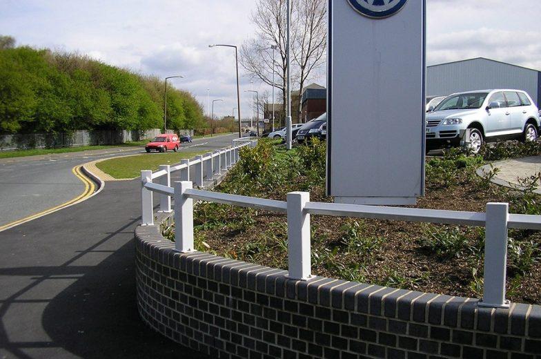 Wall top rails