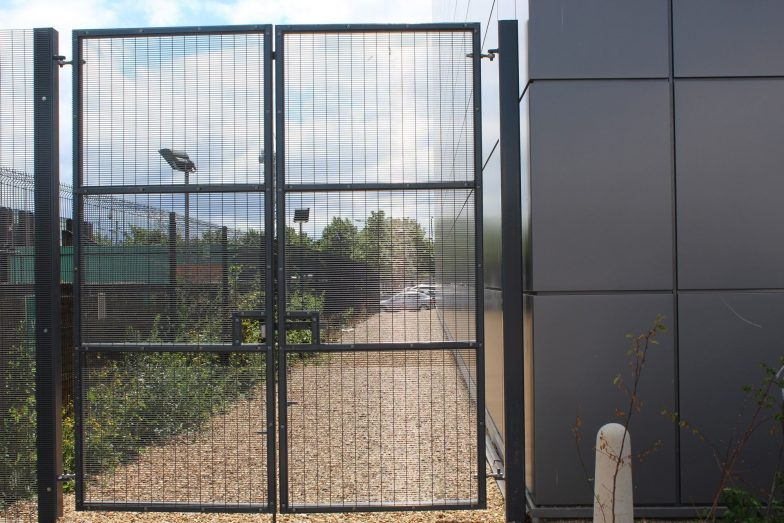 weldmesh swing gate