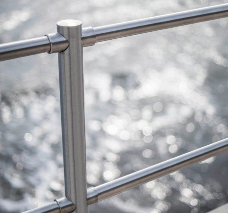 Handrails for flood defence