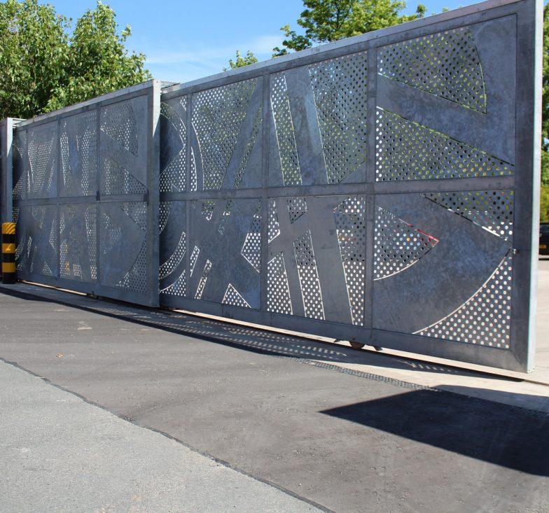 bespoke telescopic gates