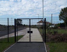 SR1 Swing Gates