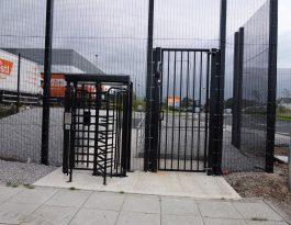 SR2 swing gates
